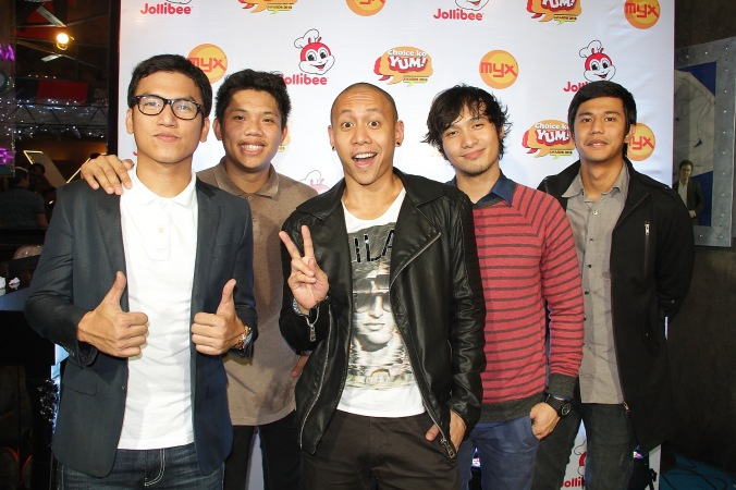 Callalily & Mikey Bustos
